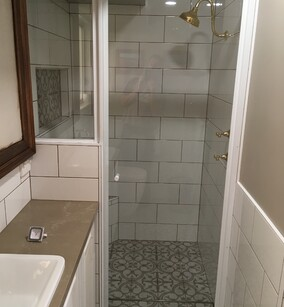 showers bathrooms tiling bathroom vanity get hammered builder carpenter narellan vale campbelltown oran park cobbitty